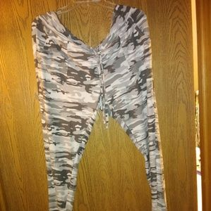 Camo leggings 2X